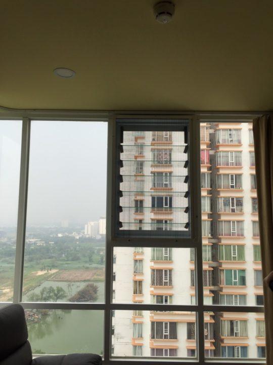 Lắp đặt cửa lưới chống muỗi cho căn hộ chung cư